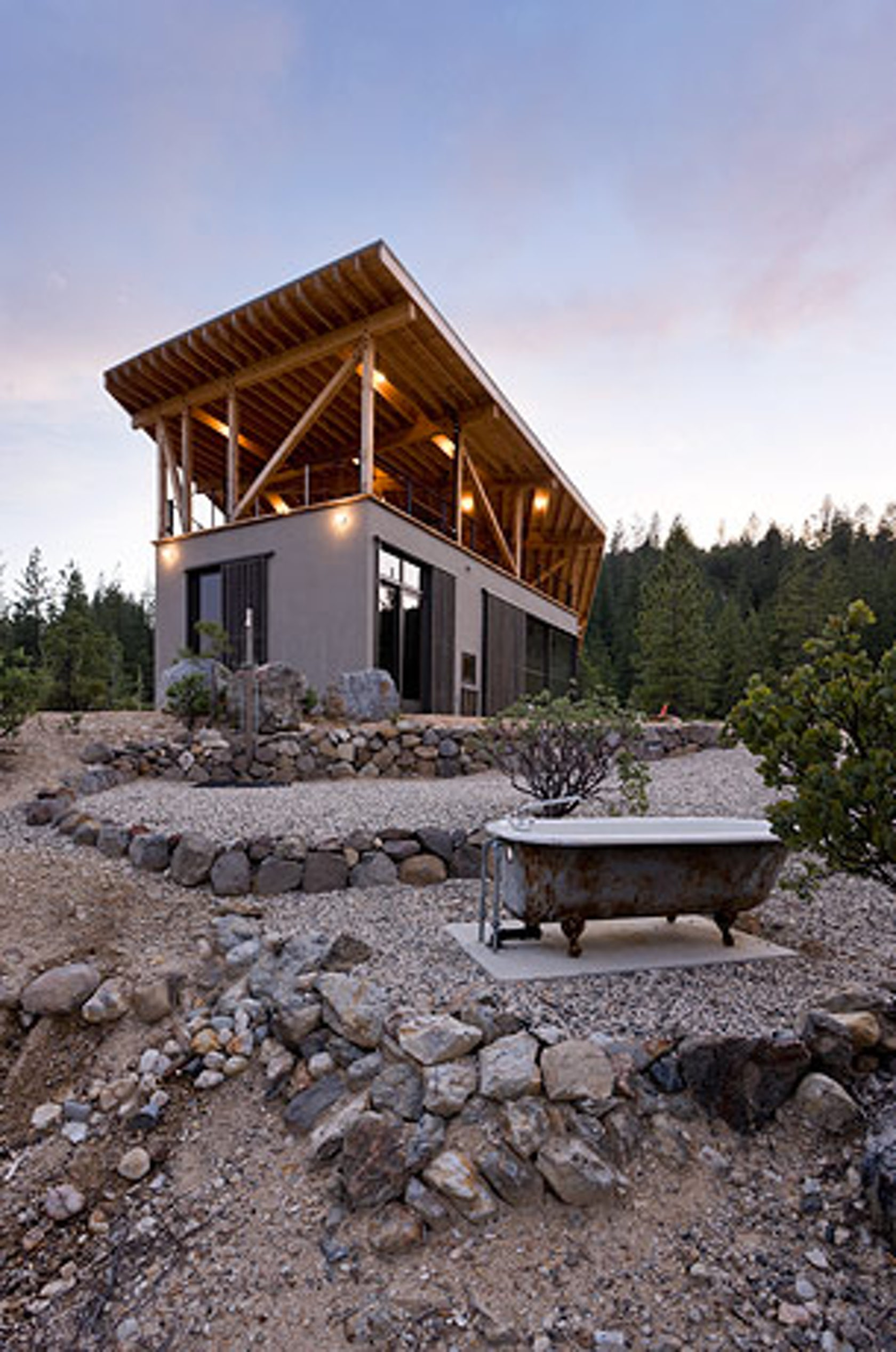 Mountain house architizer for Modern cabin homes