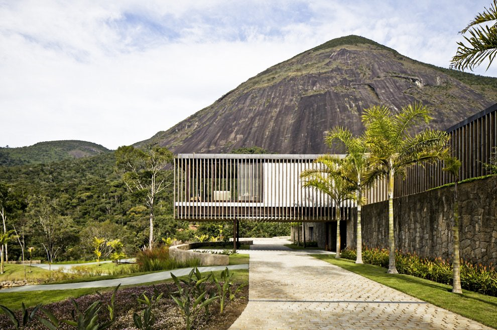 Tropical Modernism: 12 Incredible Homes That Blend Nature and Architecture