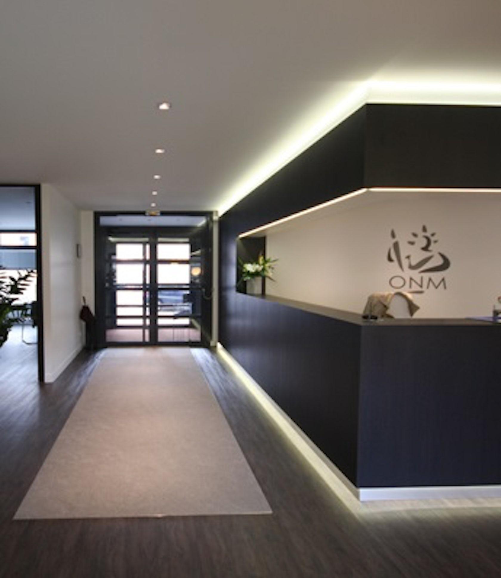 Am nagement d 39 un office notarial architizer - Bureau d architecte alinea ...