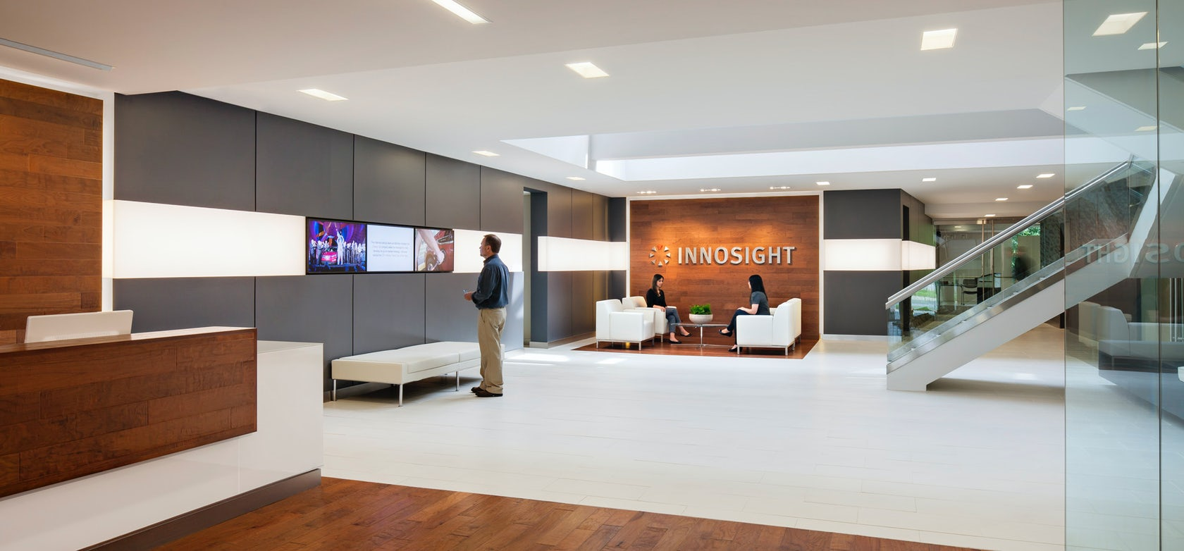 Innosight innovation center architizer for Innovation consulting firms chicago