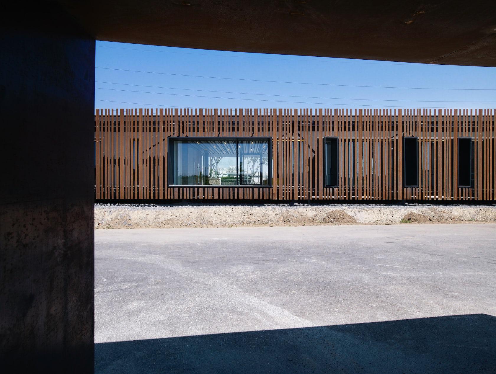 A samuel delmas architectes architizer for Delmas architecte
