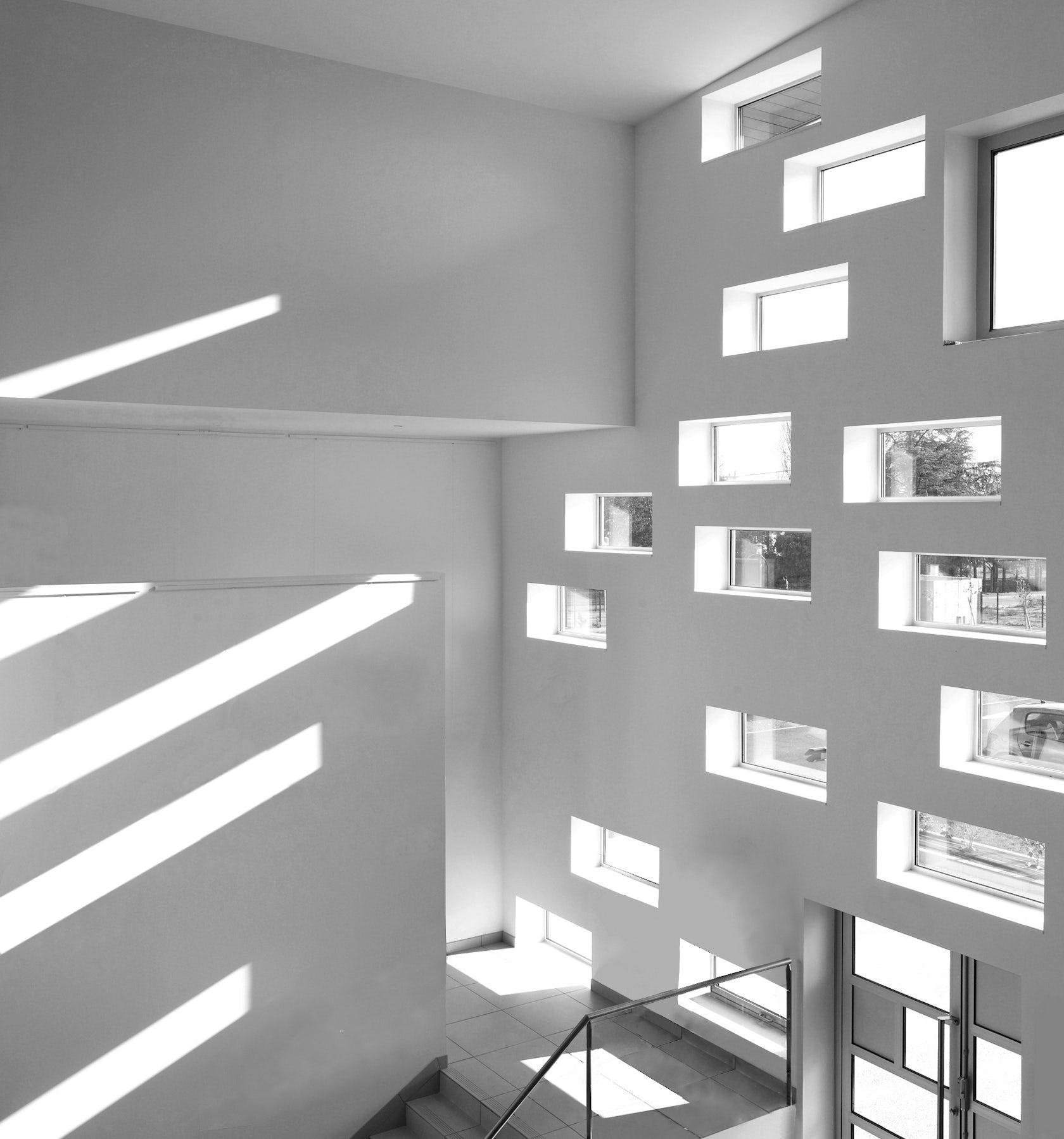 Studio Lighting Vs Natural Light: Kyriad Mulsanne