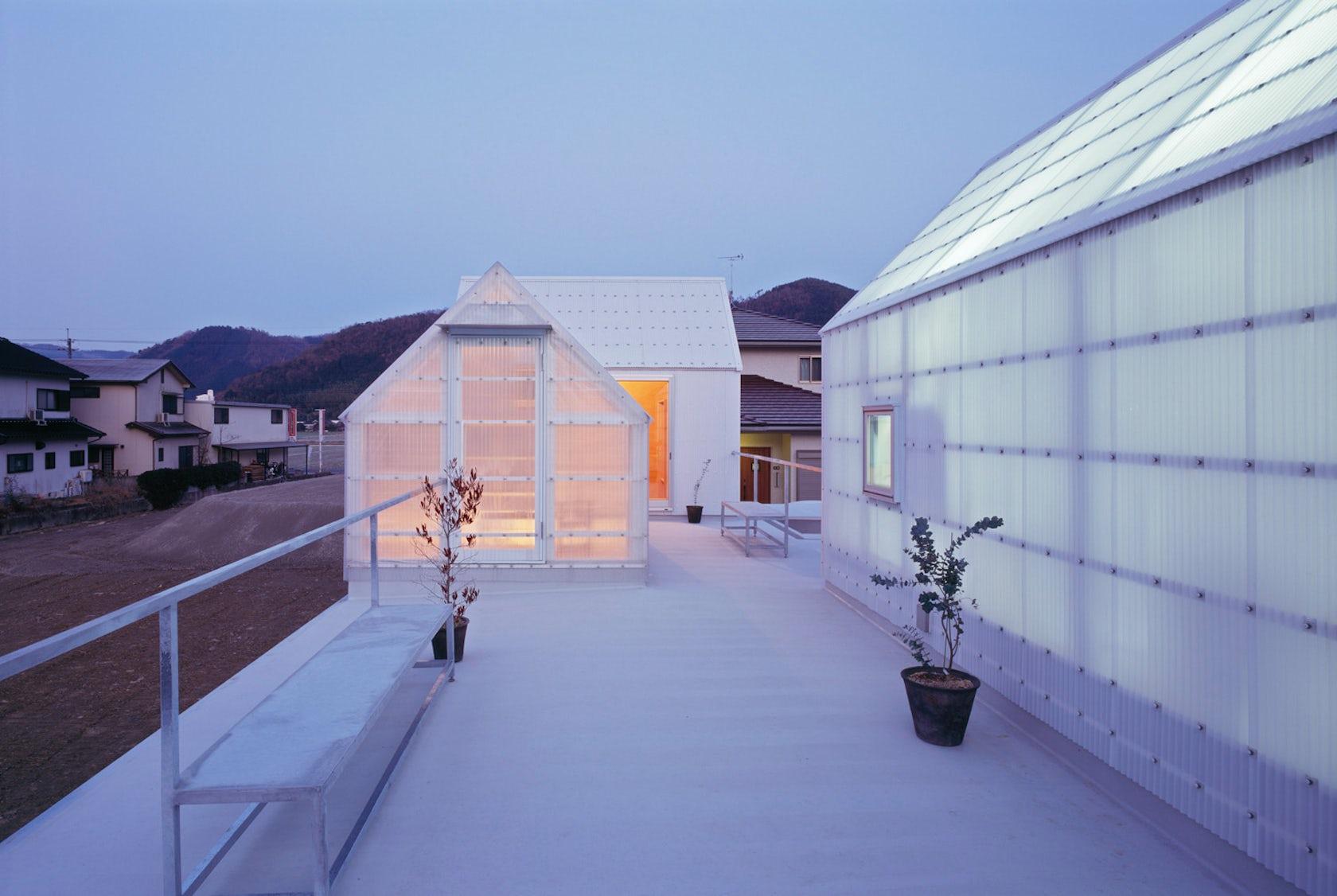 House in yamasaki architizer for Paroi translucide