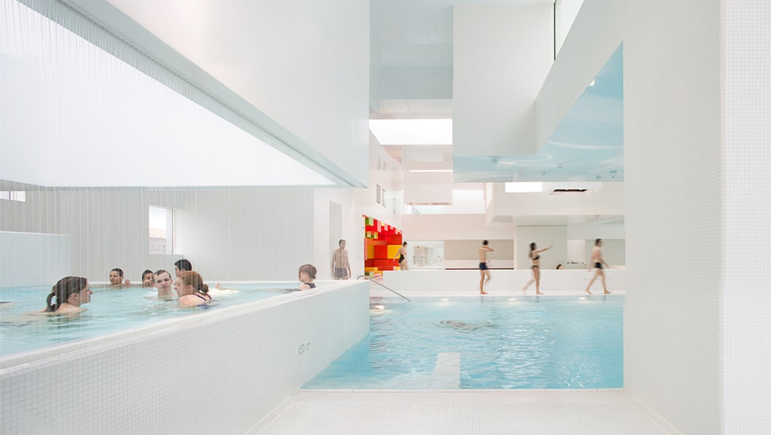 10 brilliant examples of modern white architecture architizer - Piscine havre jean nouvel ...