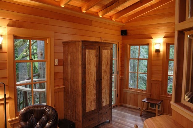 photos courtesy of pete nelson and nelson treehouse and supply - Treehouse Masters Interior