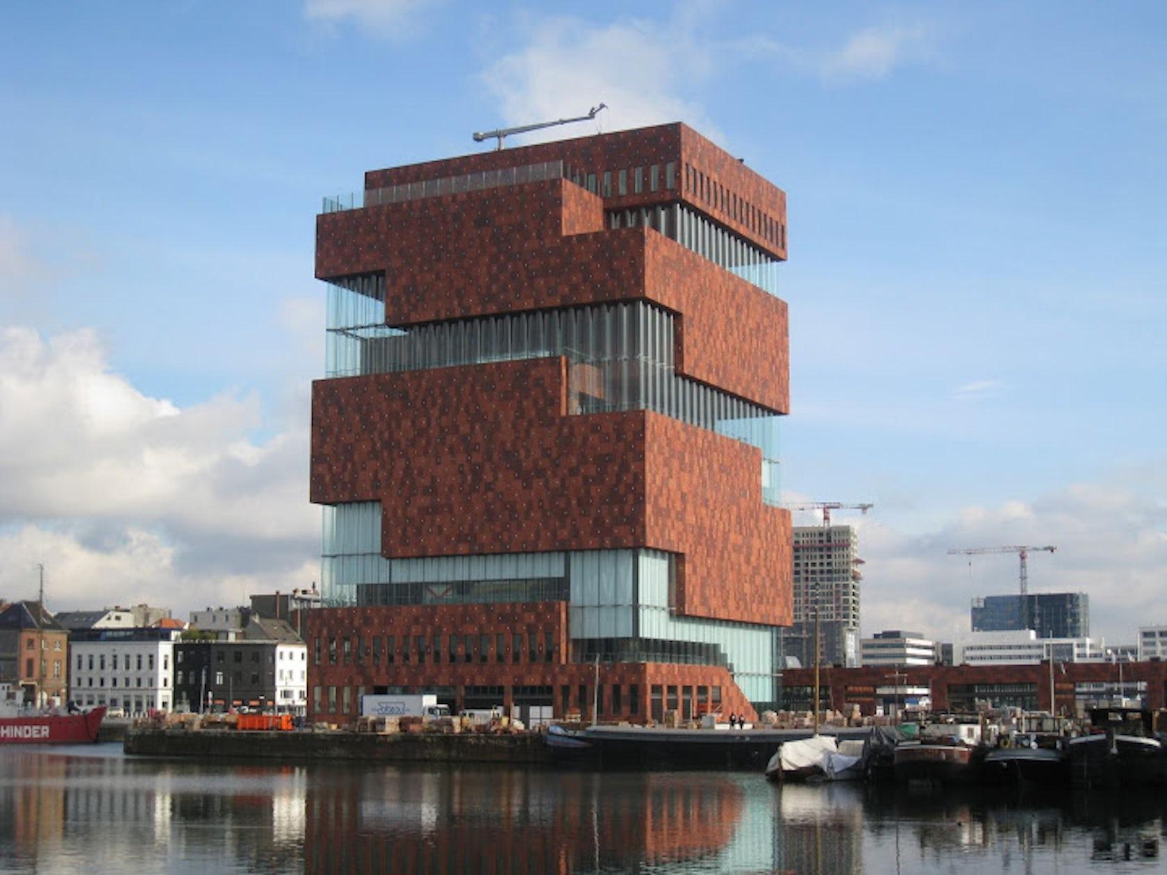 Amsterdam ZuidAs CBD - Modern Dutch Architecture in the financial heart of  The Netherlands