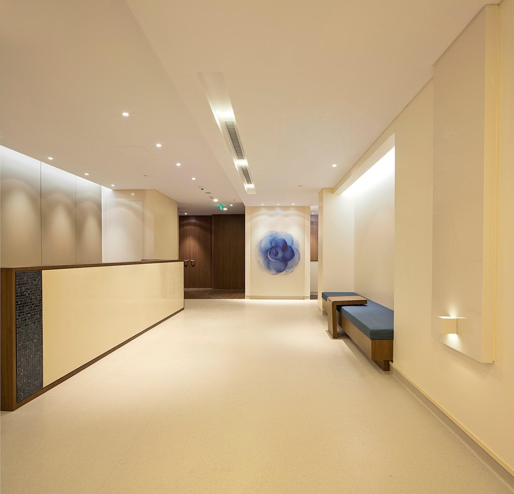 medical interior wallpaper: American-Sino Hospital, Audong Clinic