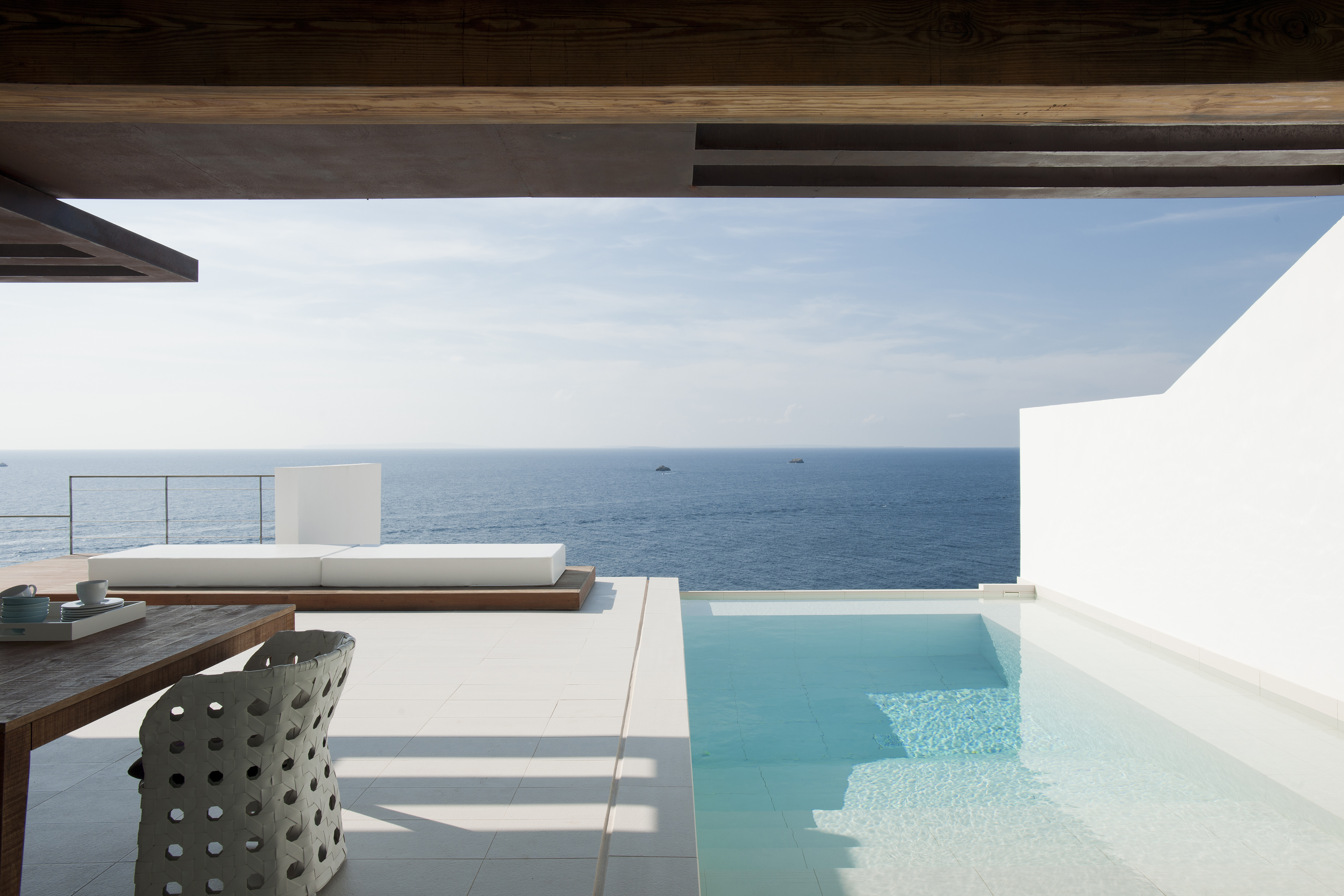 Plaster walls with terrace and pool