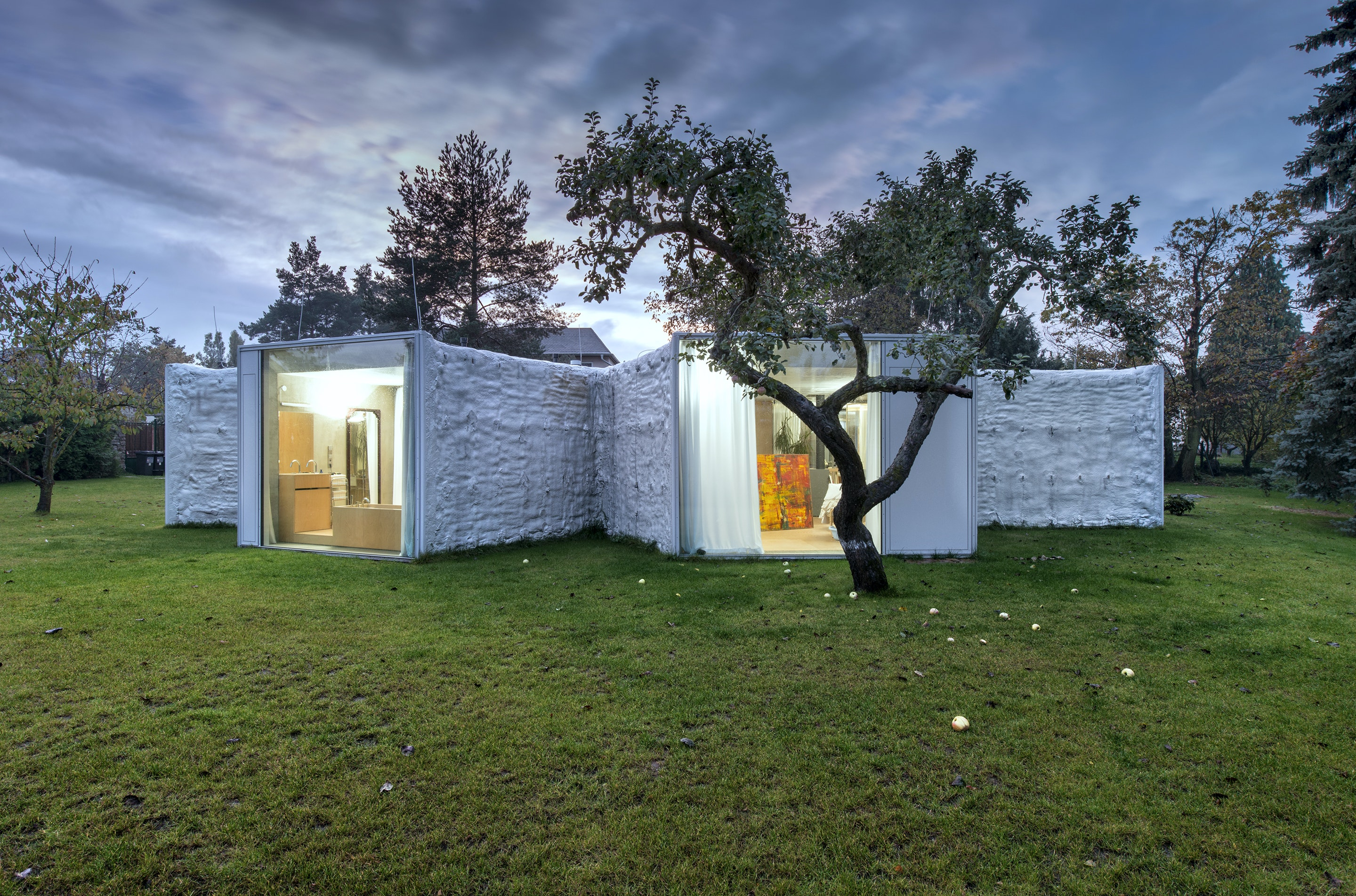 Spatial Oddities: Breaking up Space in 11 Modular Homes
