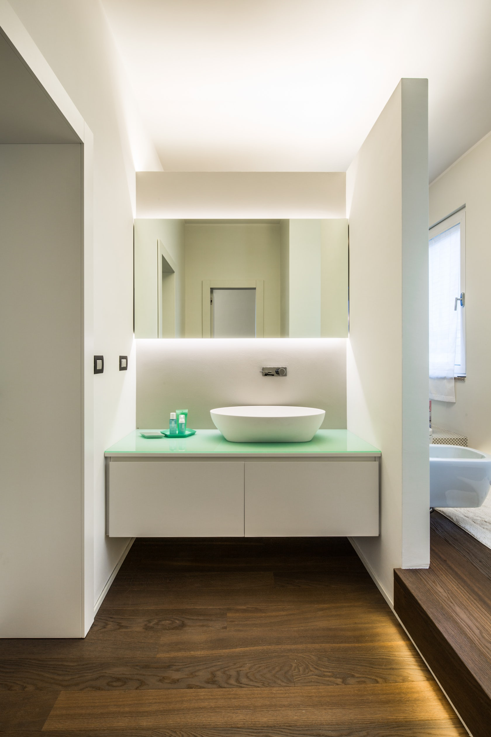 cst white box apartment architizer. Black Bedroom Furniture Sets. Home Design Ideas