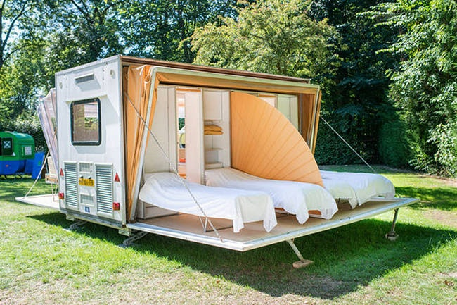 In keeping with the mobile architecture that came into fashion in the 1960s as a radical way of inhabiting the American countryside this c&er shows us ... & A Machine for Camping: This Here Is the Ultimate Mobile Home ...