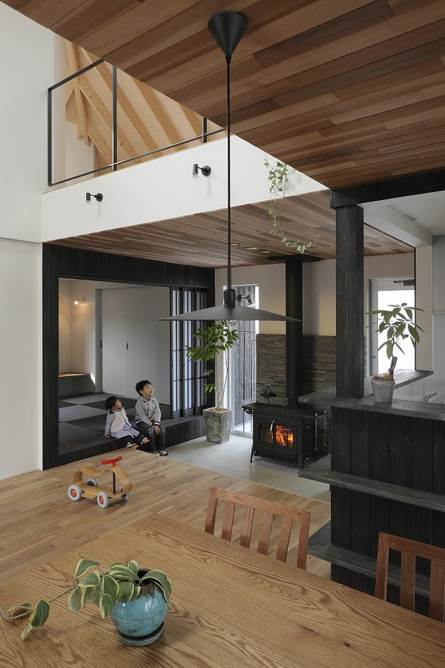 Deep Overhangs 8 Japanese Homes With Elegant Extended