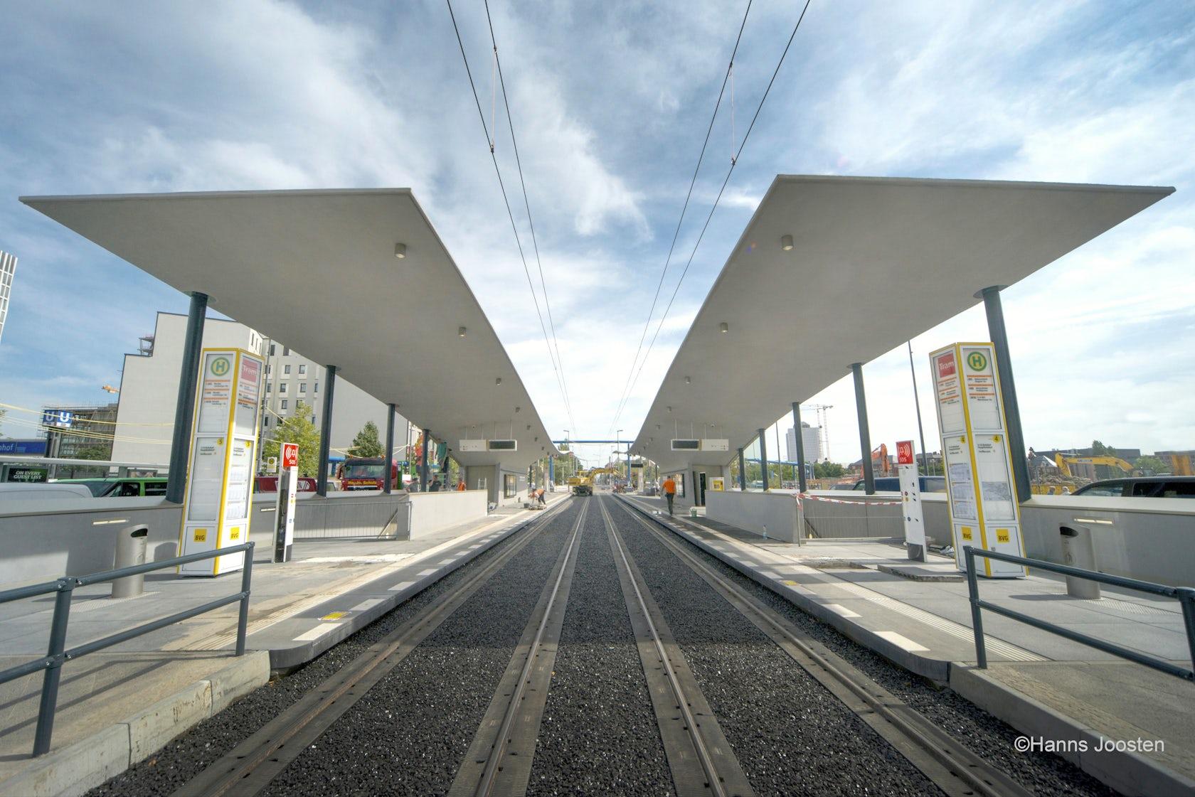 tram stop europaplatz berlin main train station architizer. Black Bedroom Furniture Sets. Home Design Ideas