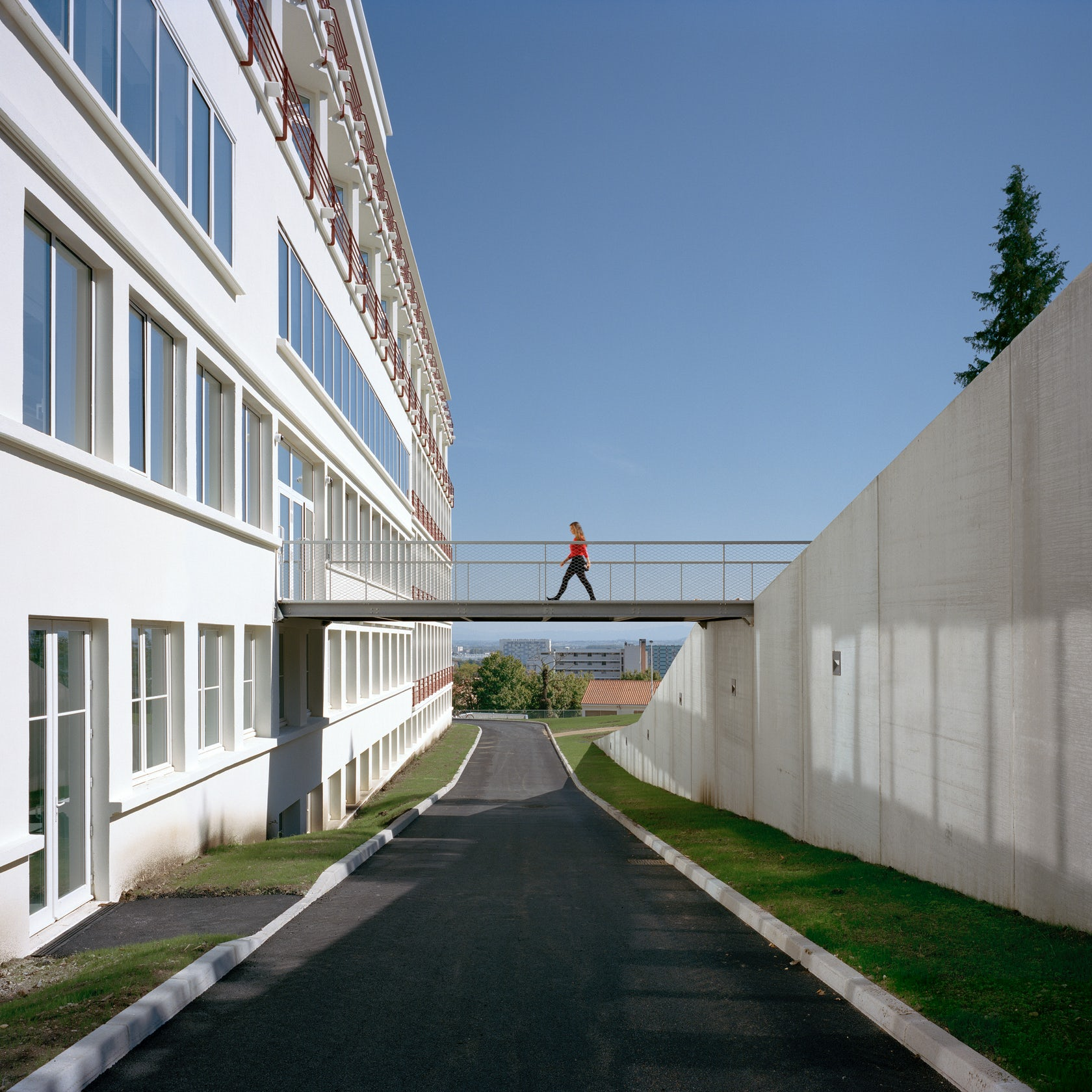 Clermont Apartments: Clermont Ferrand School Of Architecture