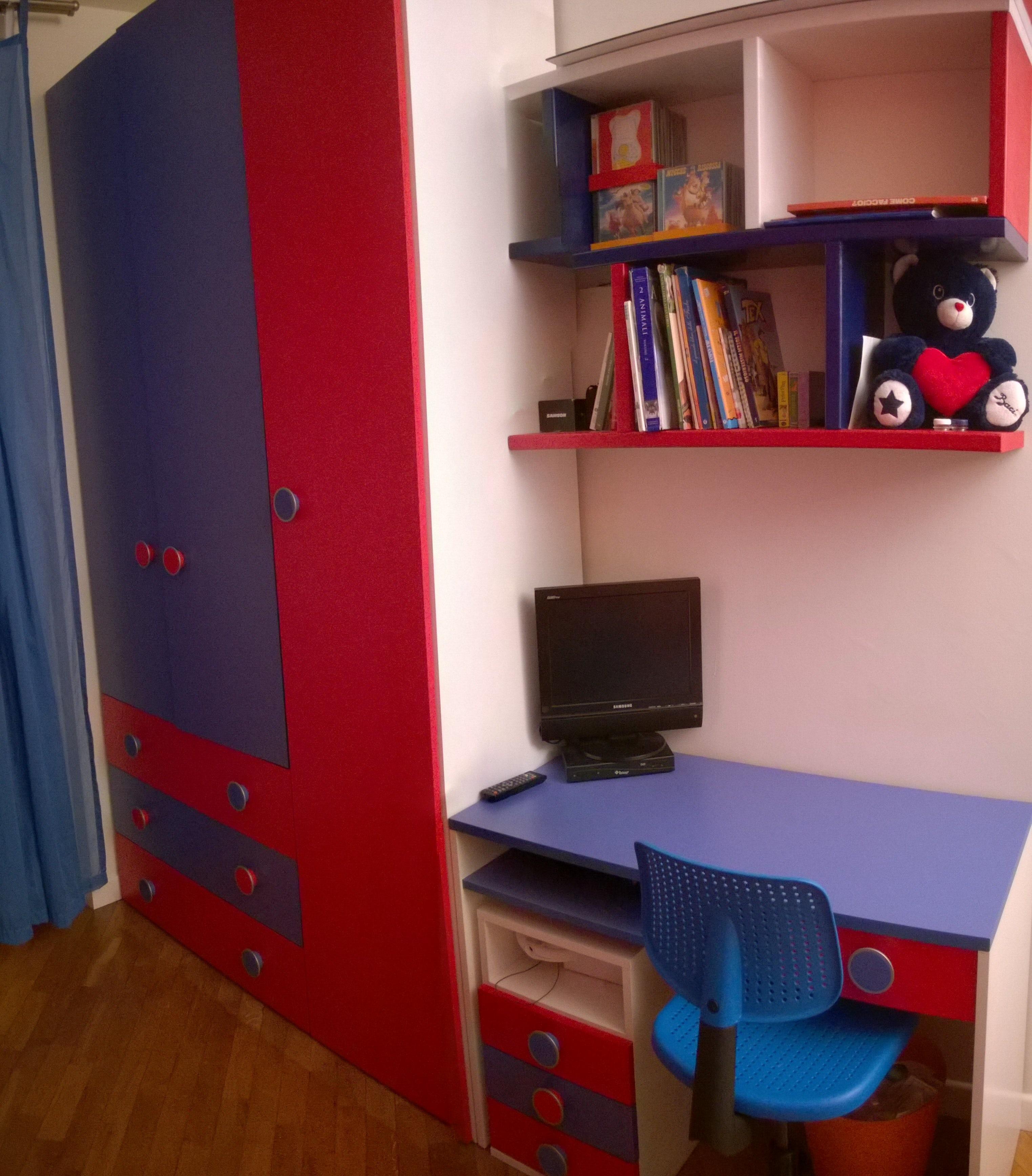 Un Cameretta Rossa E Blu On Architizer