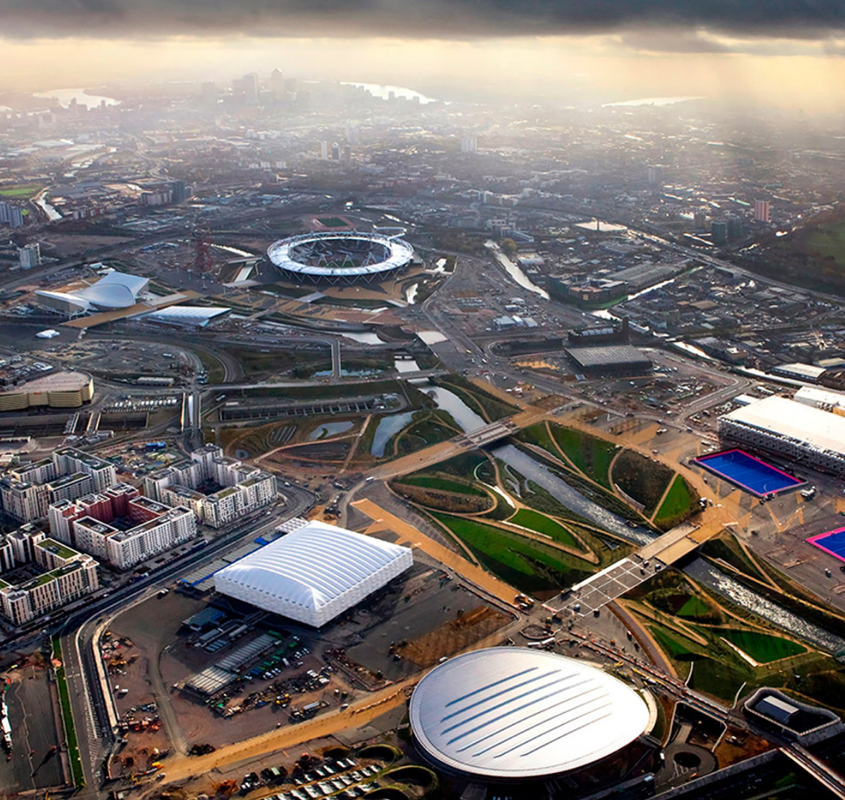 Olympic Village Apartments: Athletes Village, Olympic Park London