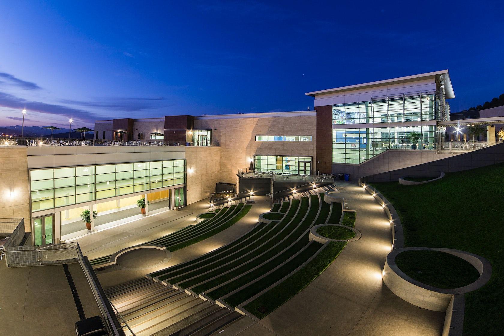 Csu San Marcos >> University Student Union | California State University San