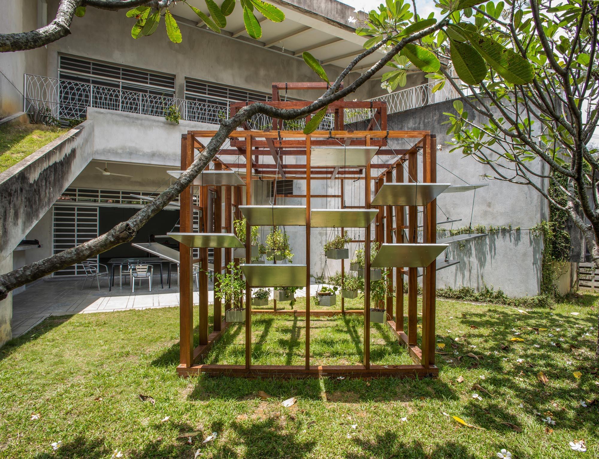 False Monuments: 7 Contemporary Garden Follies