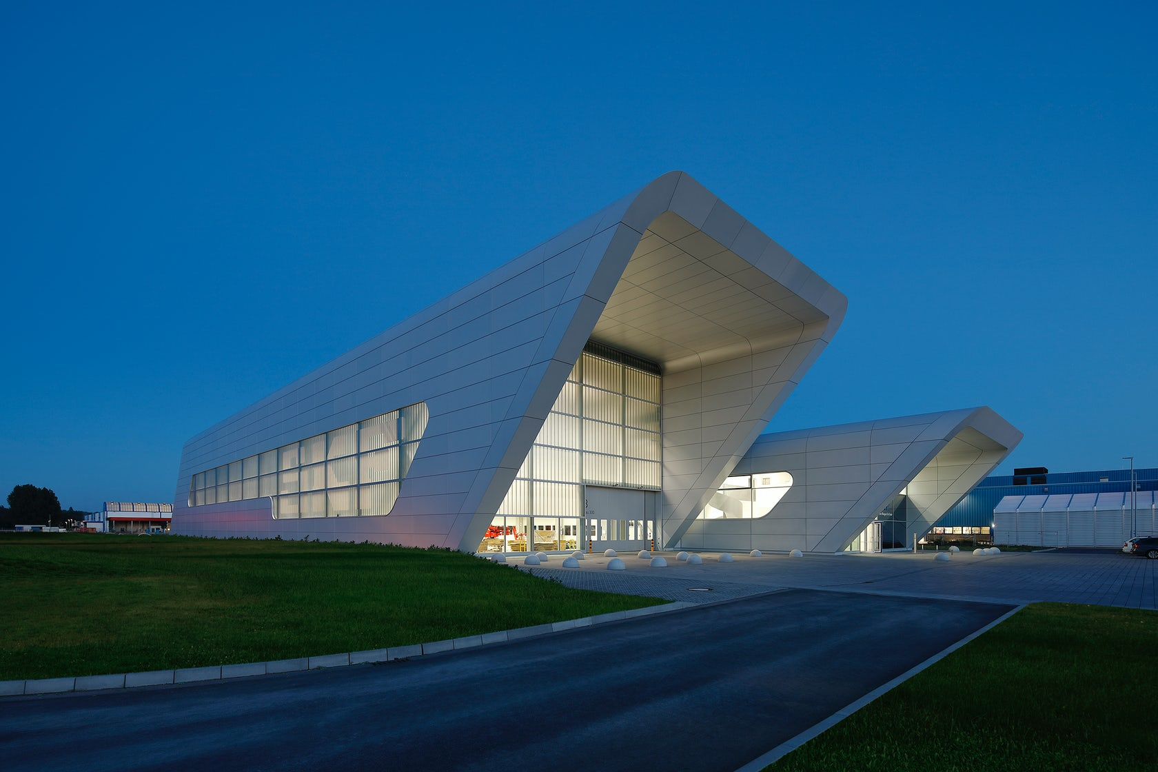 SKF Test Centre for large-scale bearings on Architizer