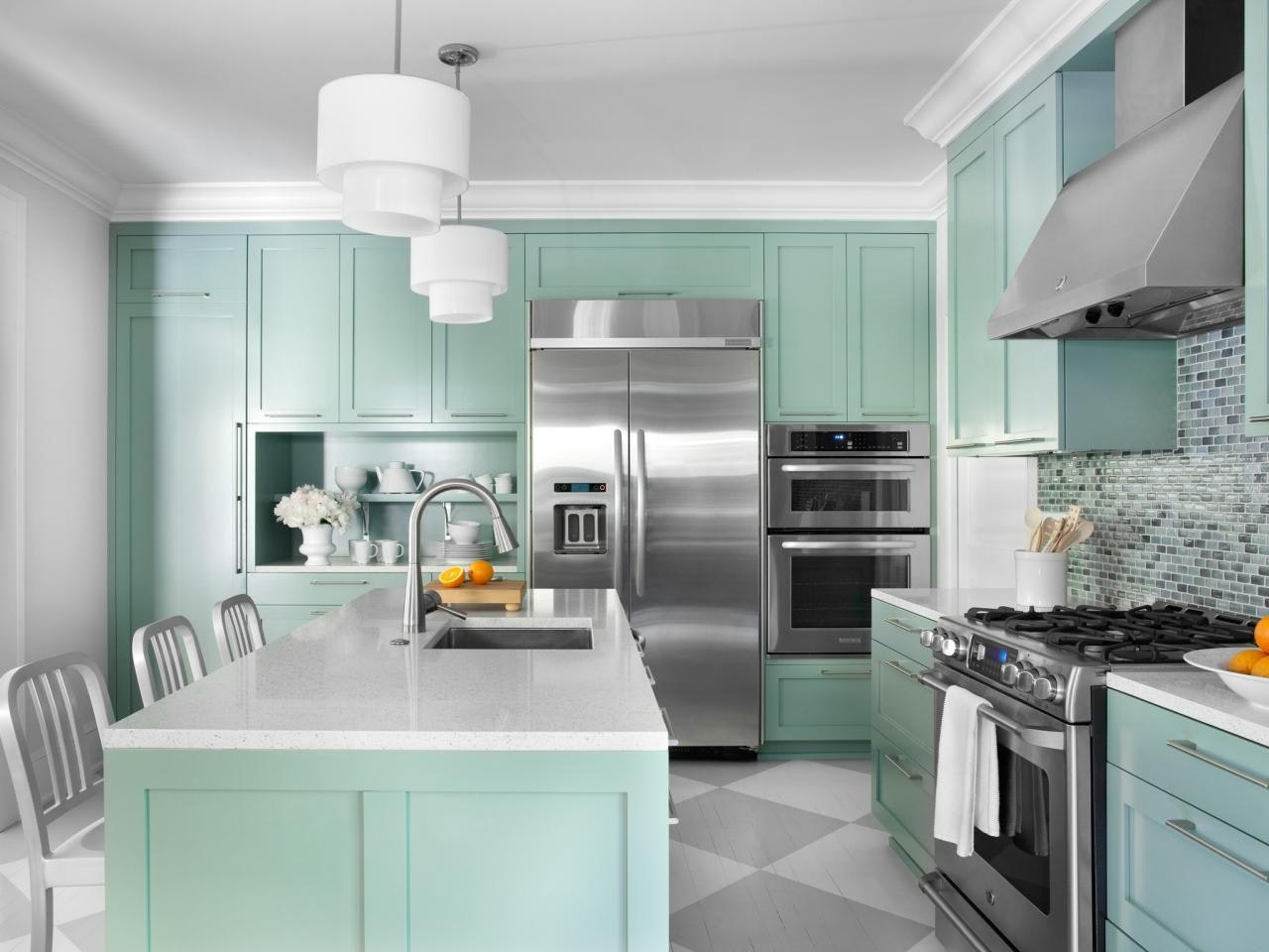 How To Choose The Right Kitchen Cabinet Materials For Your Project