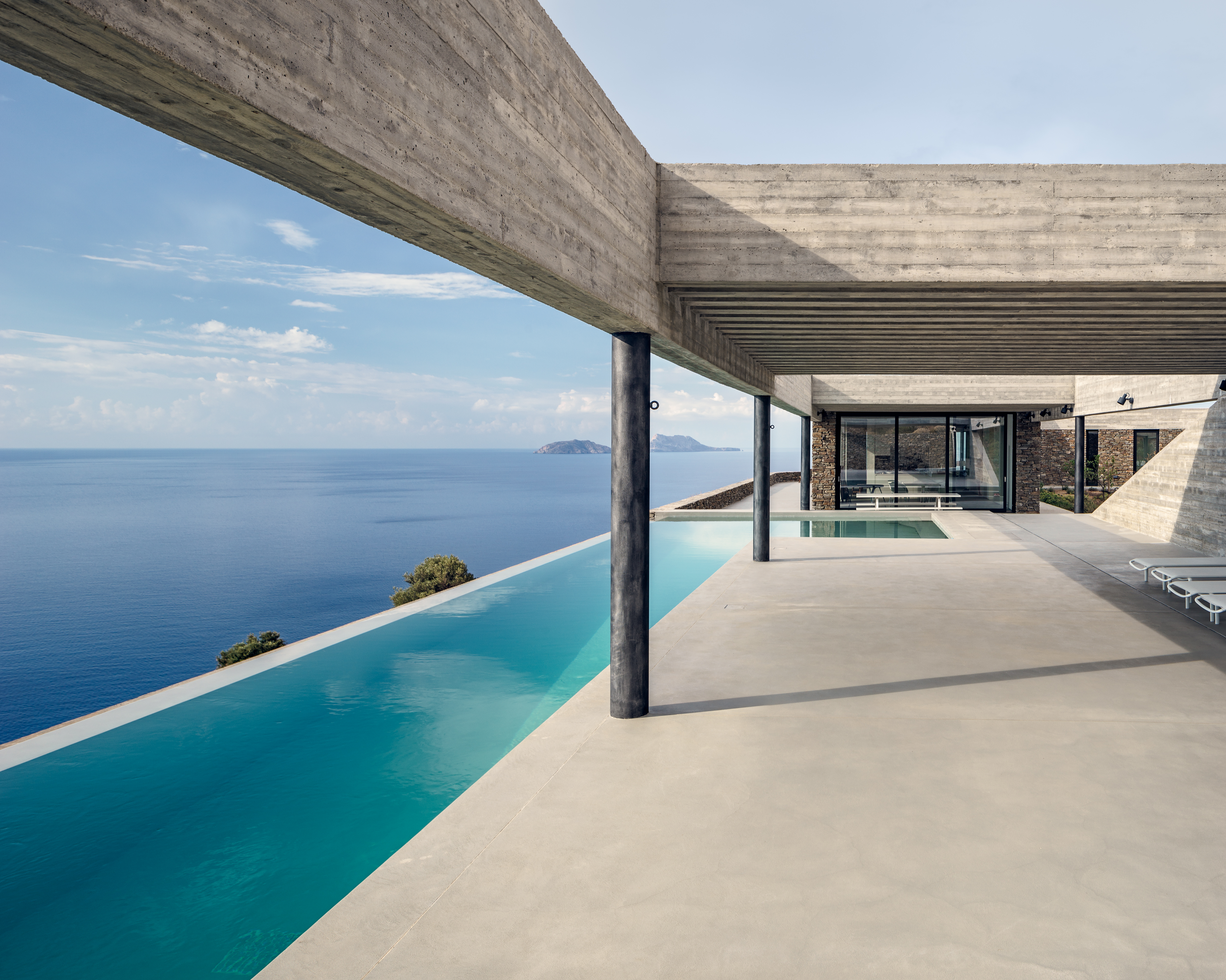 Concrete portico with pool