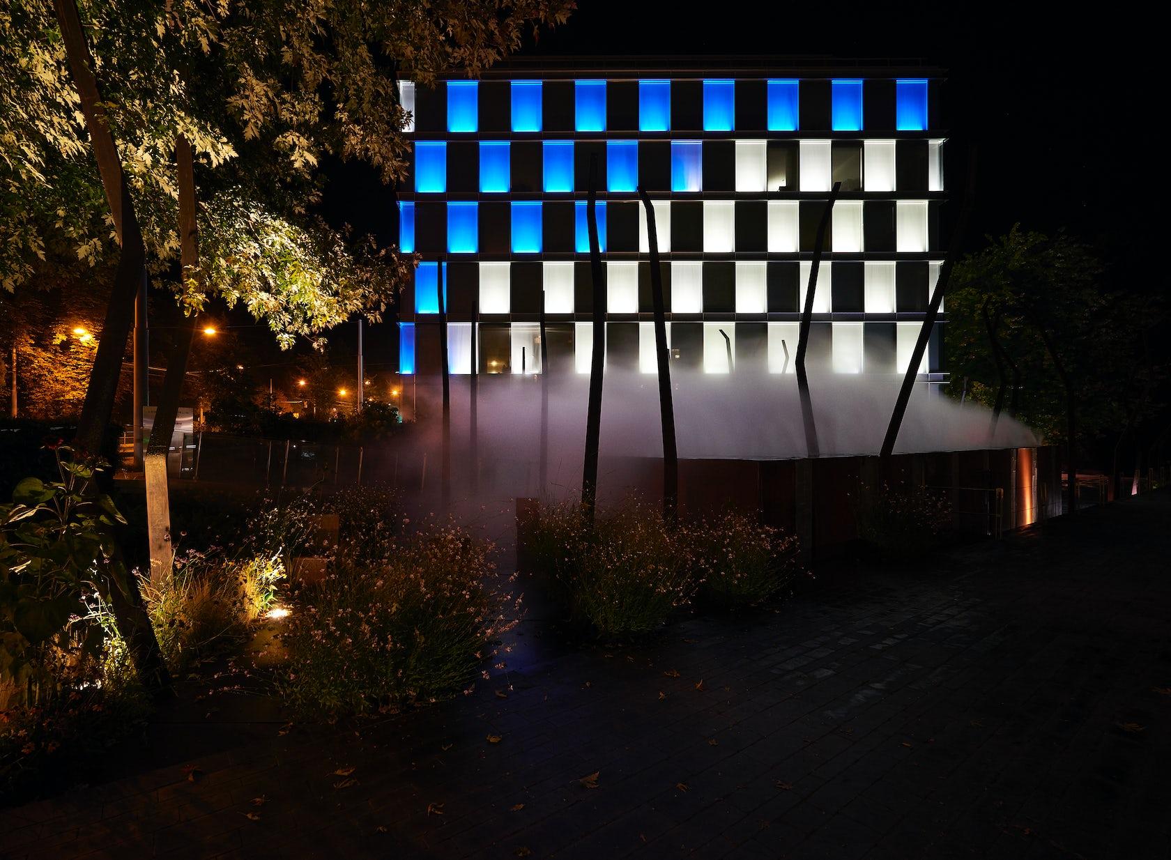 Amandolier building geneva responsive light art architizer - Commercial exterior lighting manufacturers ...