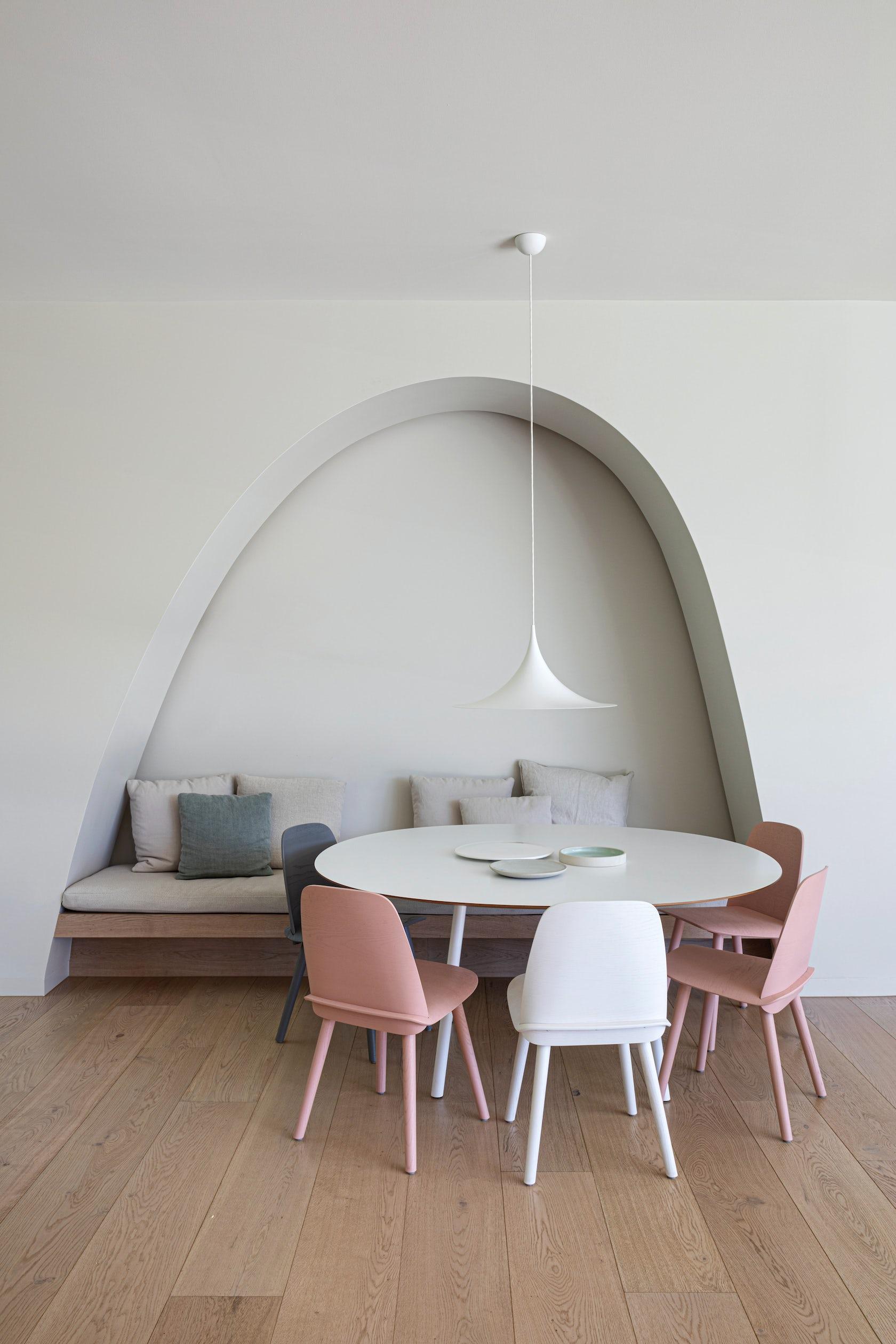 © Leeton Pointon Architects + Interiors