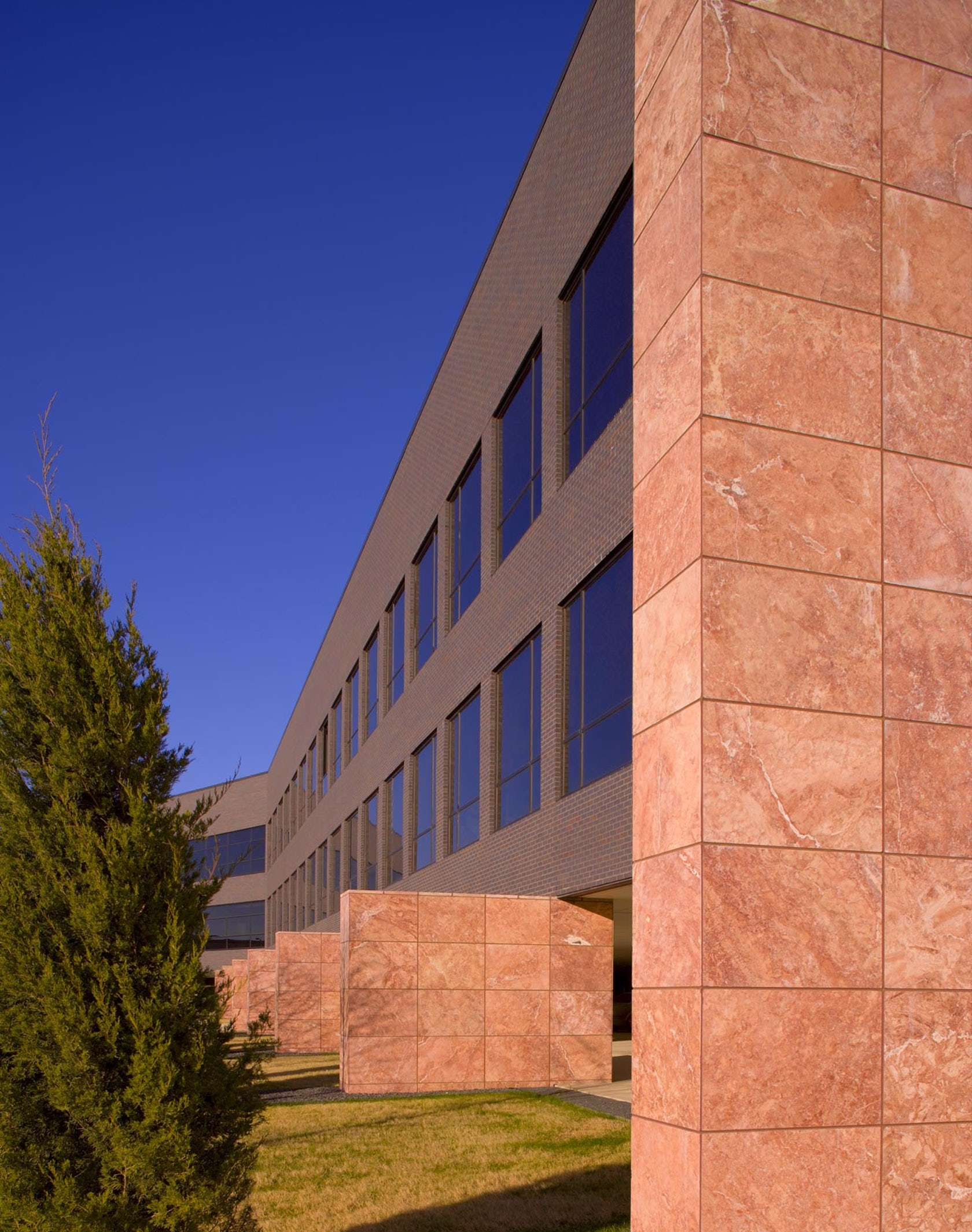 York Auto Group >> Tuscan Professional Building - Architizer