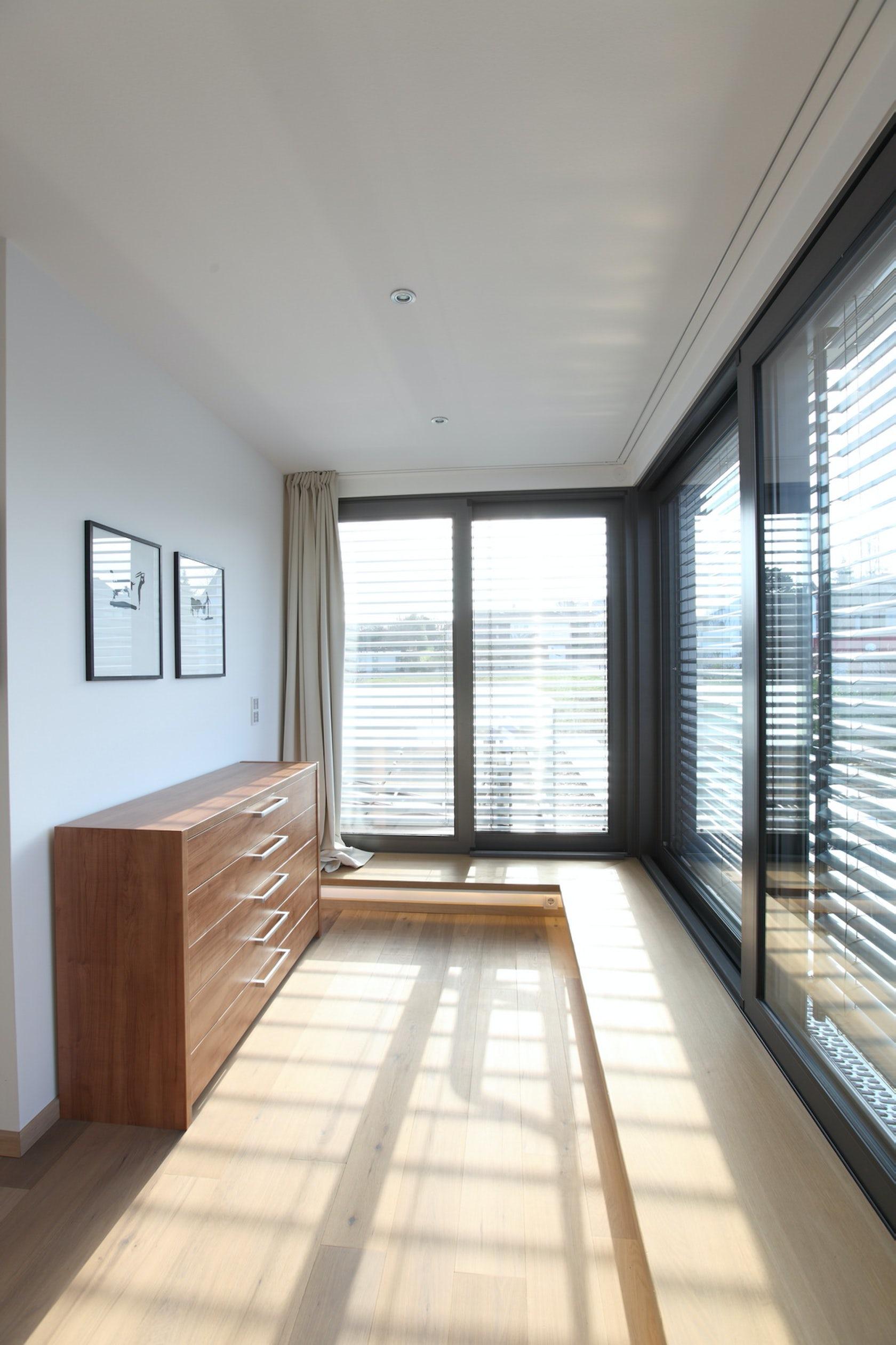 Kfw 70 Standard : neubau eines wohnhauses im bauhausstil mit kfw 70 standard architizer ~ Orissabook.com Haus und Dekorationen