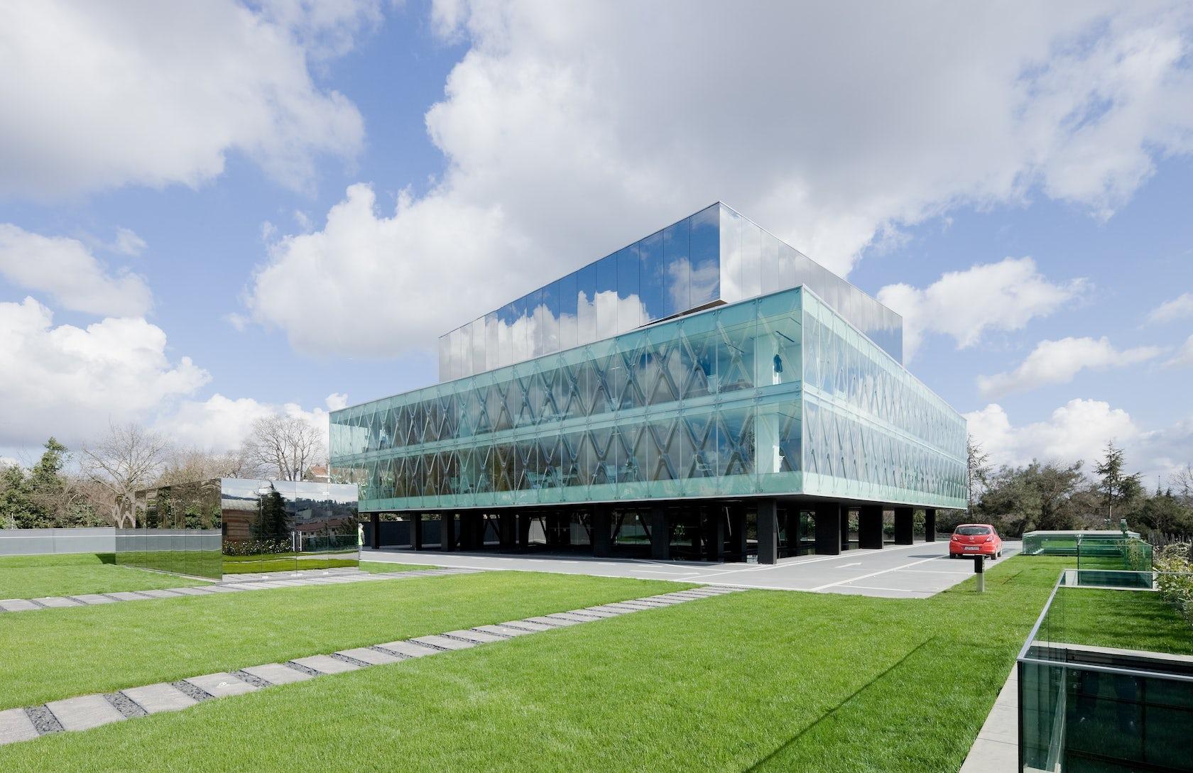 curved glass, Vakko Fashion Center by REX