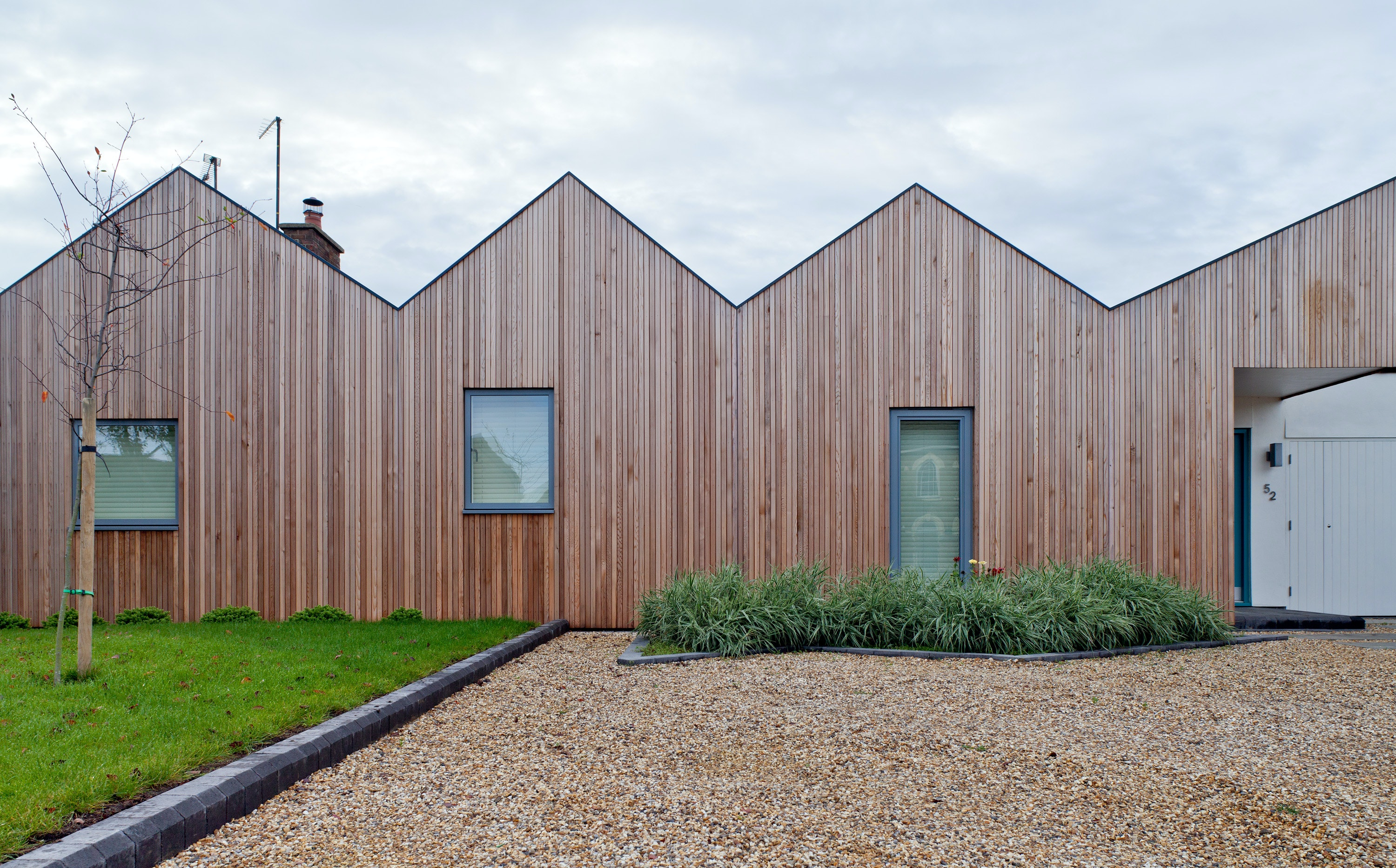 View Similar Images & See Truth in Saw-Tooth Roofs - Architizer memphite.com